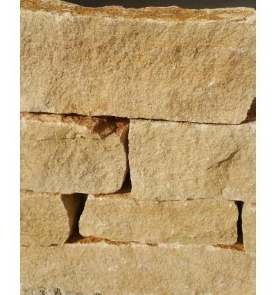 Mureuses village plaquettes de 2 à 4 cm d' épaisseur
