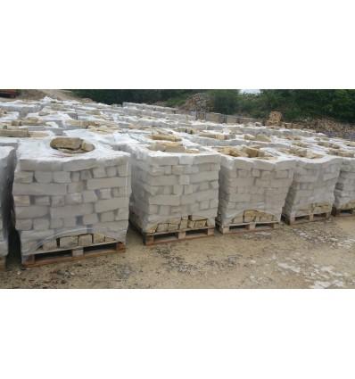 Mureuses tradition barettes en pierre naturelle du Chatillonnais de 10 à 14 cm de hauteur